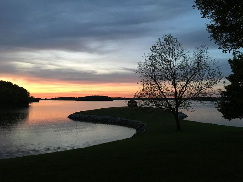 Charming waterfront Lake Norman home, holiday rental in Lake Norman