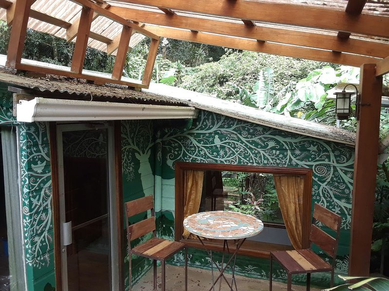 Casa Alas y Raíces- House of Roots & Wings, Ferienwohnung in Nationalpark Monteverde