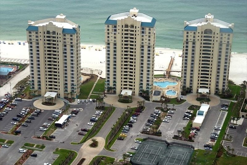 Fabulous East End Unit at Beach Colony Resort, holiday rental in Pensacola