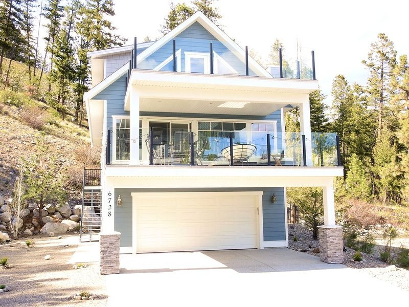 New Cottage in popular resort on the west side of Lake Okanagan for rent!, vakantiewoning in South Fintry