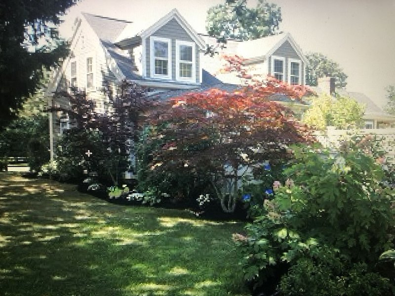 Historic Home in Downtown Osterville with Beach Pass, holiday rental in Osterville