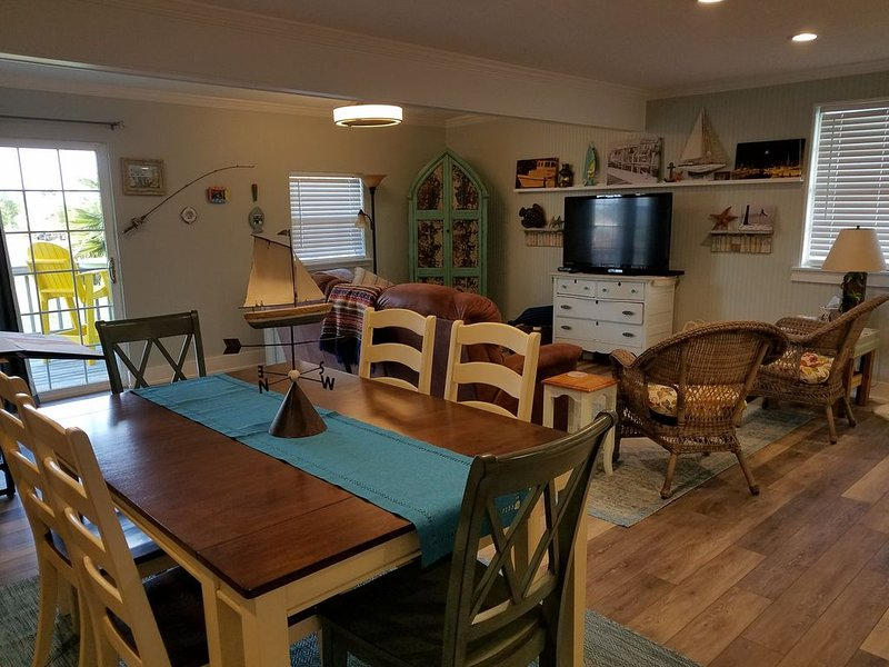 Bayview Bungalow in South Beach. Winter Texans Welcome!, holiday rental in Rockport