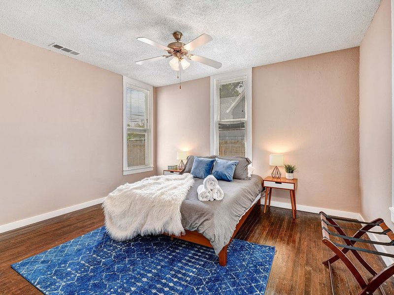 Magnolia Street & Hospital District Destination.  TCU, Will Rogers, Stockyards., vacation rental in Fort Worth