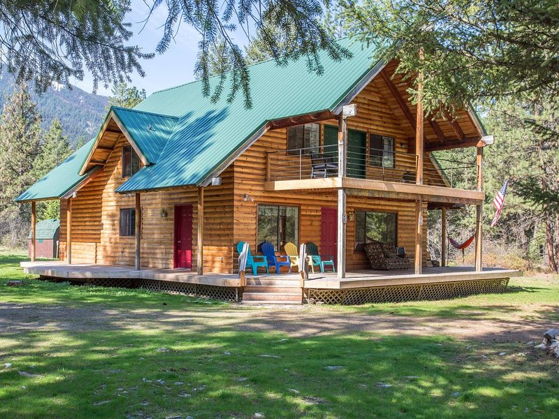 Clark Fork River Cabin Retreat, casa vacanza a Plains