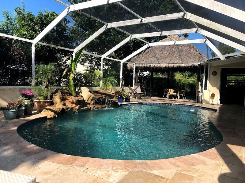 Hamilton House Miami - Tropical Oasis/Pool/Tiki/Brazilian BBQ, holiday rental in Pinecrest