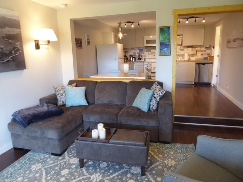 Sooke Ocean View Suite - private entry, clean, cozy, vacation rental in Sooke