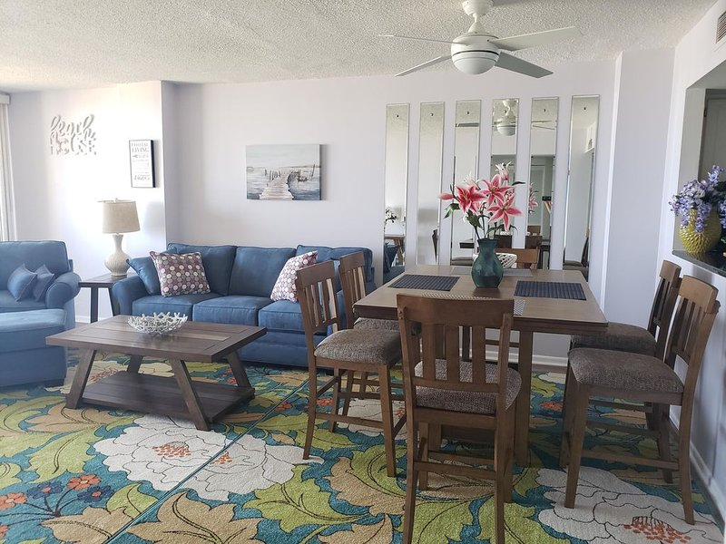 Oceanfront condo with amazing sunset views, holiday rental in Wrightsville Beach