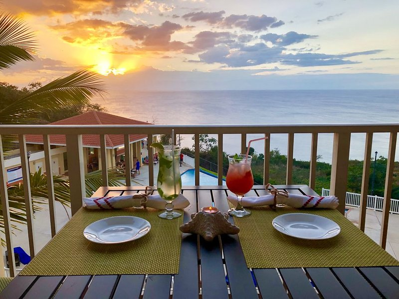 Luxurious Condo Spectacular View - Last Minute Renter Discount, location de vacances à Aguadilla