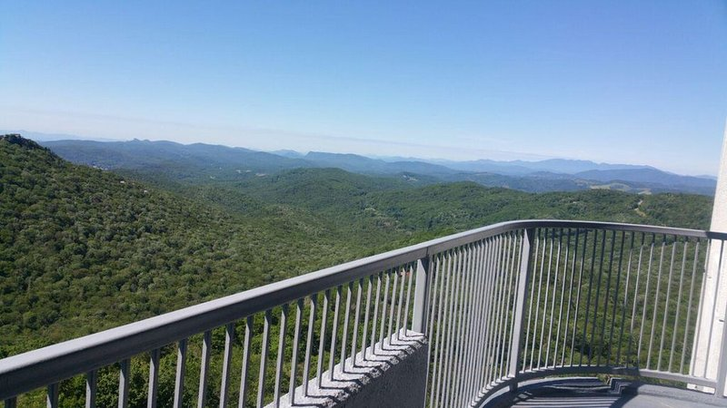 Magnificent 2 Bedroom Apartment on Top of Sugar Mountain, Sugartop Resort, holiday rental in Sugar Mountain