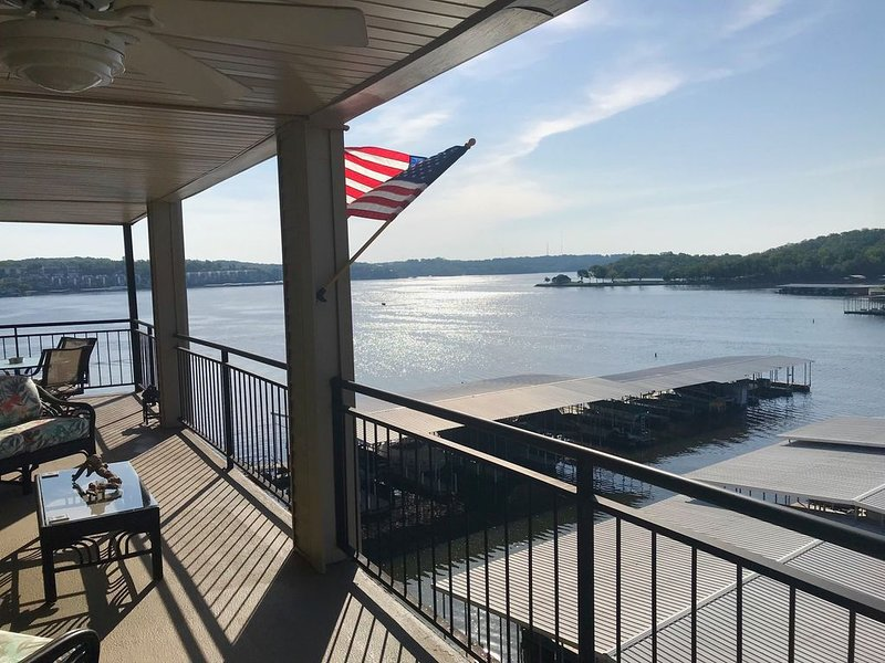 Waterfront Condo with 55 Ft long Balcony by Elevator - Beautiful View!!!, holiday rental in Eldon