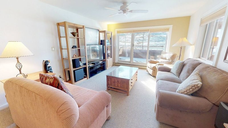 Villas at Snowmass Club Unit 1205 ~ No cleaning fees! Transportation Included!, vacation rental in Snowmass Village