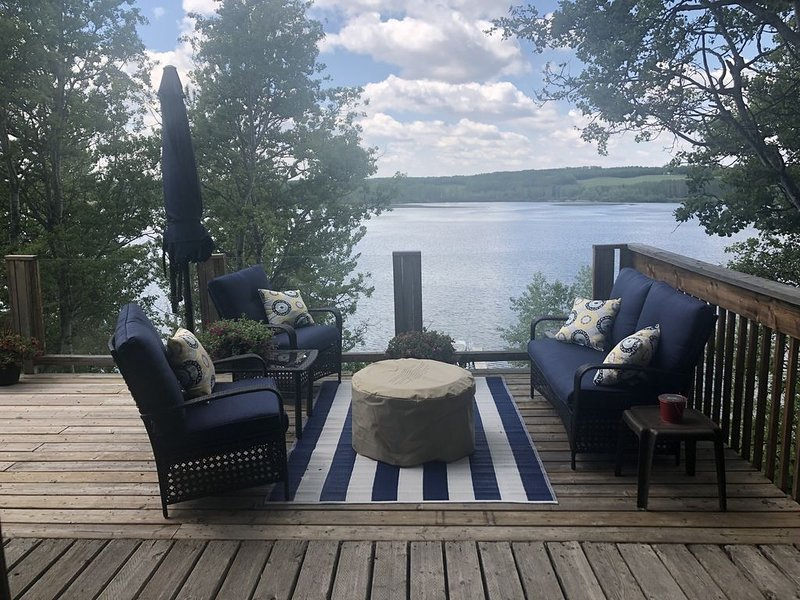Lakefront cabin ideal for all seasons. – semesterbostad i Pine Lake