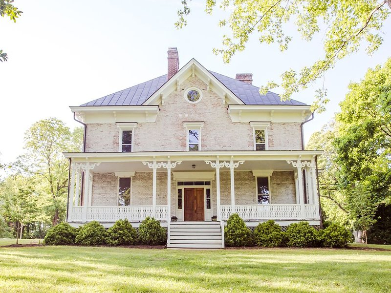 Luxury Accommodations for Two – semesterbostad i Gordonsville
