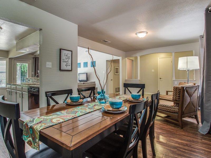 Casa Sorrento, your home in San Antonio!, holiday rental in Schertz