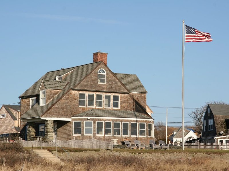 On Newport's Easton's Beach, holiday rental in Middletown