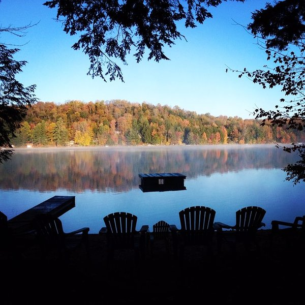 Modern-Day Adirondack Great Camp on White Lake near Old Forge, holiday rental in Glenfield