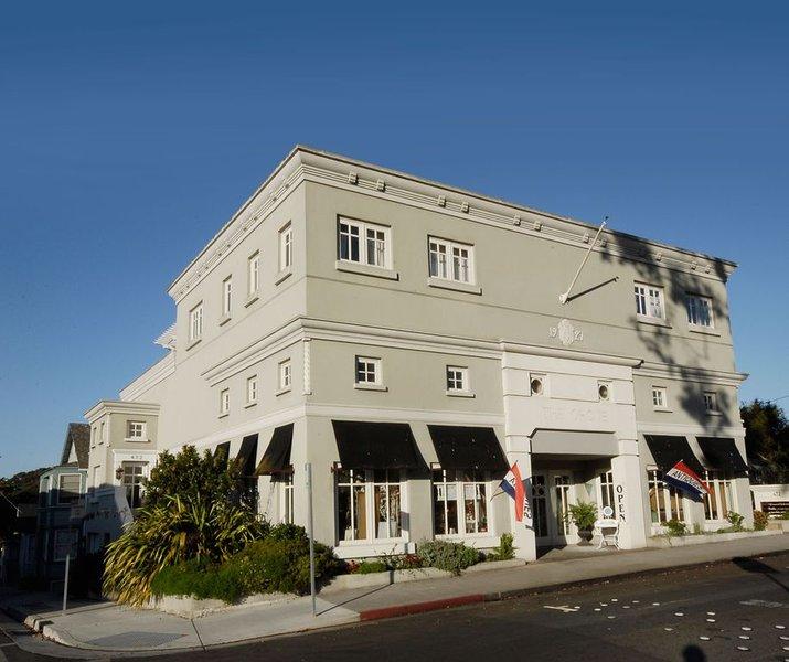 Penthouses Walk to Beach, 4 Aquarium Passes, alquiler vacacional en Seaside