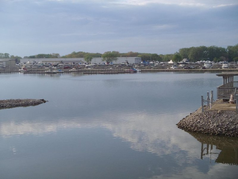 #D - 1 of 4 Waterfront Rental Units - Clean, Safe & Small Complex (Sleeps 8-32), alquiler de vacaciones en Marblehead