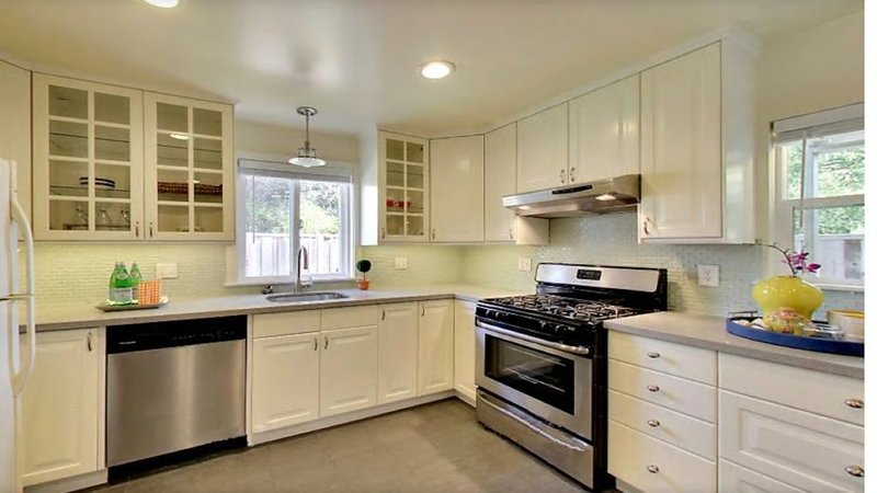 Sweet Alameda Cottage Near SF, Beach, OAK Airport, location de vacances à Alameda