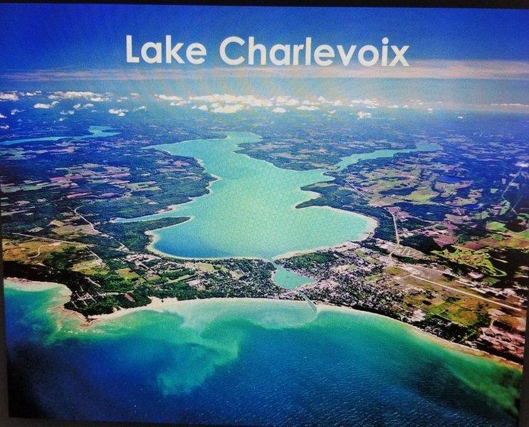 Castle Bound Home Retreat!, casa vacanza a Charlevoix