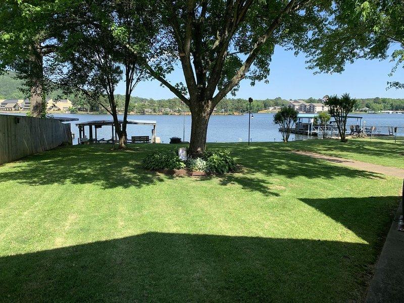 Lakefront property on Lake Hamilton, holiday rental in Mountain Pine