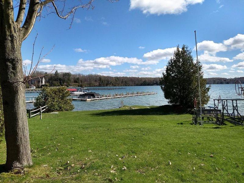 Cottage on Beautiful Walloon Lake, MI, holiday rental in Walloon Lake