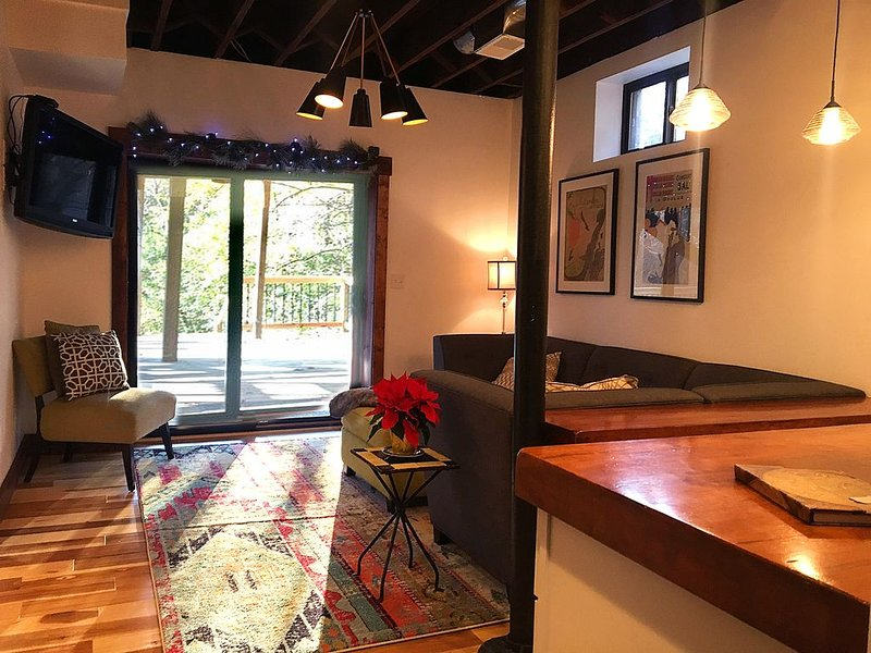 Newly remodeled apartment minutes to city, holiday rental in Taft