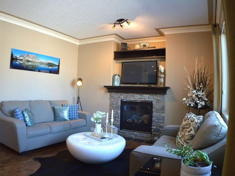 Luxury & Comfort - Family 2 Storey, location de vacances à Cochrane