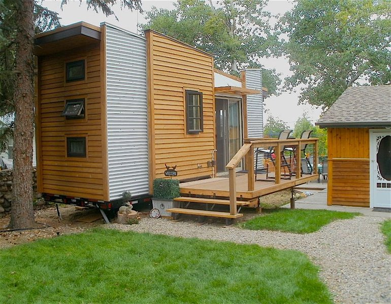 DragonFly Tiny House - Regina Beach, Saskatchewan ***NOW OPEN WINTER***, holiday rental in Saskatchewan