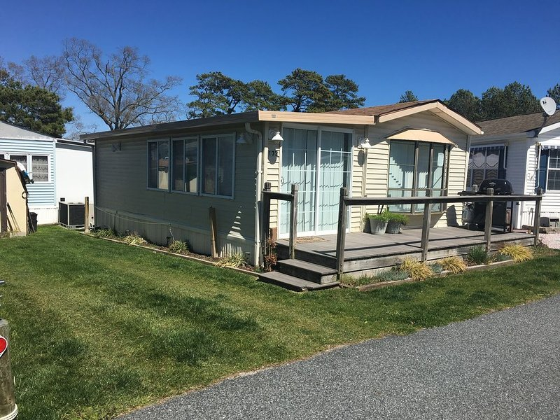 White Horse Park. Quiet Community. Close to Ocean City. Sleeps 7. Pet Friendly!, alquiler de vacaciones en Selbyville