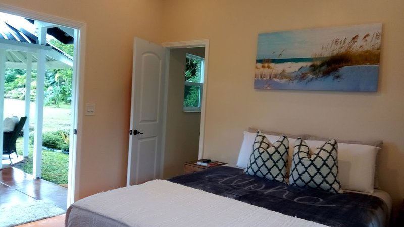 Nice little cottage on a tropical fruit orchard consisting of many fruits., vacation rental in Keaau