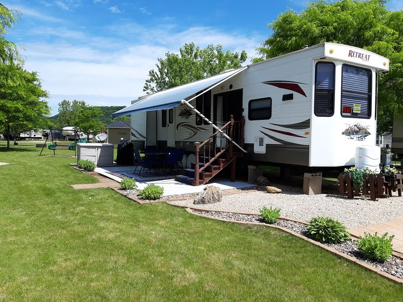 Your Private 39' Camper, vacation rental in Alma
