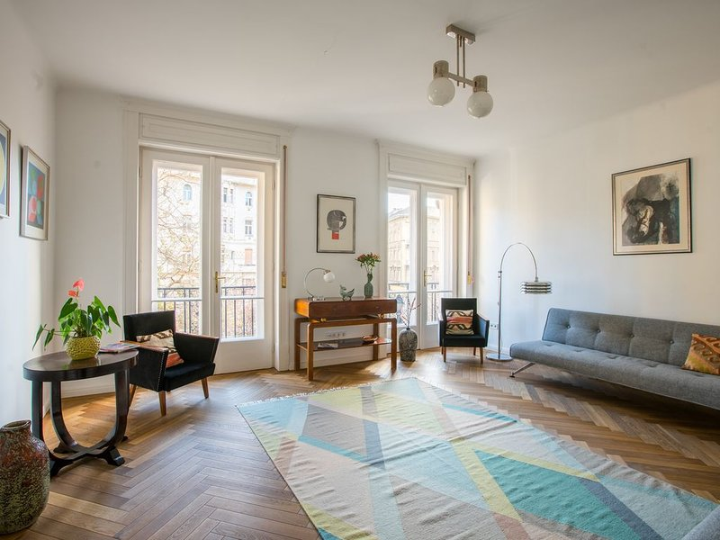 Palazzo residence in the city center 120 sqm, alquiler de vacaciones en Budapest