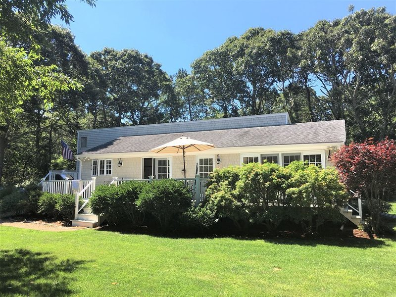 Now booking for late summer / early fall (and fewer crowds!), holiday rental in Edgartown