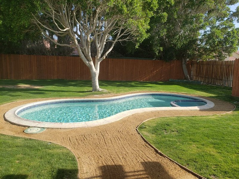 Nicely remodeled home near palm springs, alquiler de vacaciones en Cathedral City