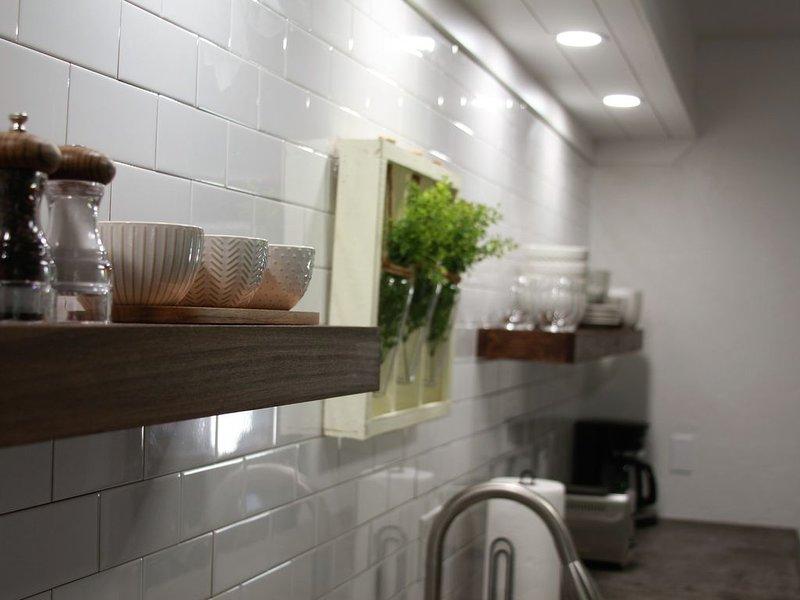 New! Vibrant Townhouse | 3 Bedroom/3 Bath En-Suites!, location de vacances à Oklahoma City