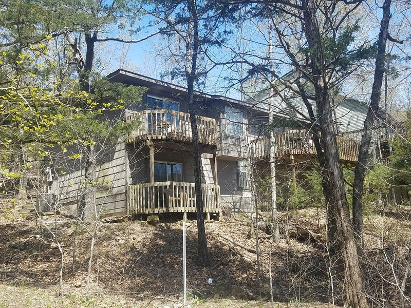 Bryants Lakefront Home-Close to Marina, vacation rental in Garfield