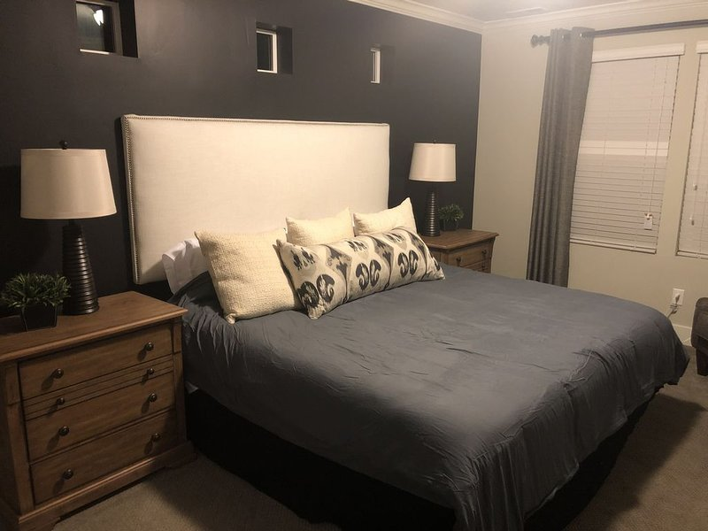 Master bedroom (bedding set #2)