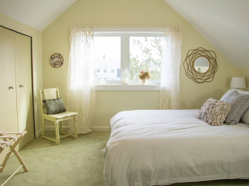 Adorable Portland getaway on the Eastern Promenade, holiday rental in Long Island