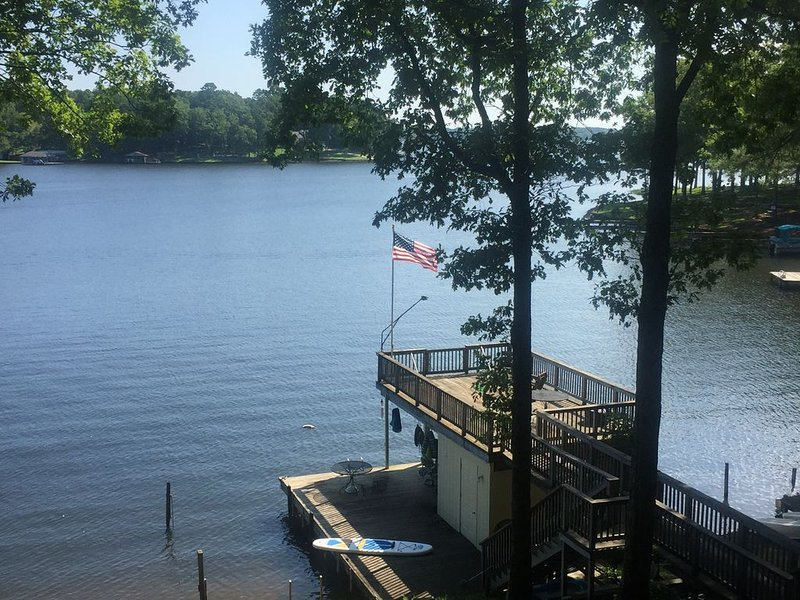 Home For Sale November 2020!LAKE FRONT house at mouth of Lizard Creek near MM5., vacation rental in Gaston