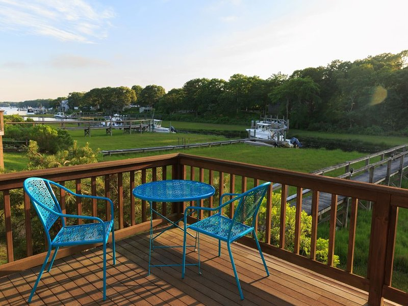 Waterfront Getaway with Dock! BYOB (bring your own boat!), vacation rental in Falmouth