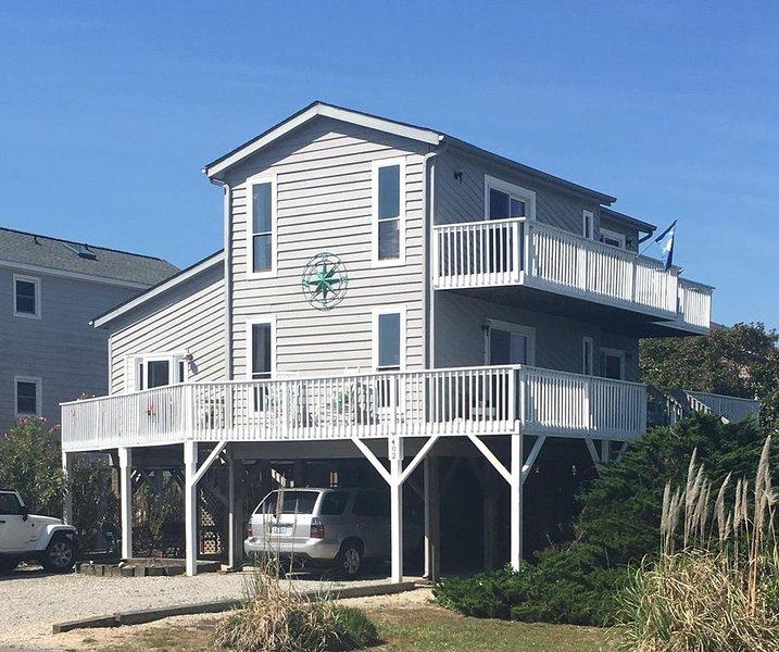 Pelican Hub, a beach house in beautiful Sunset Beach, a short walk to the beach, vacation rental in Sunset Beach
