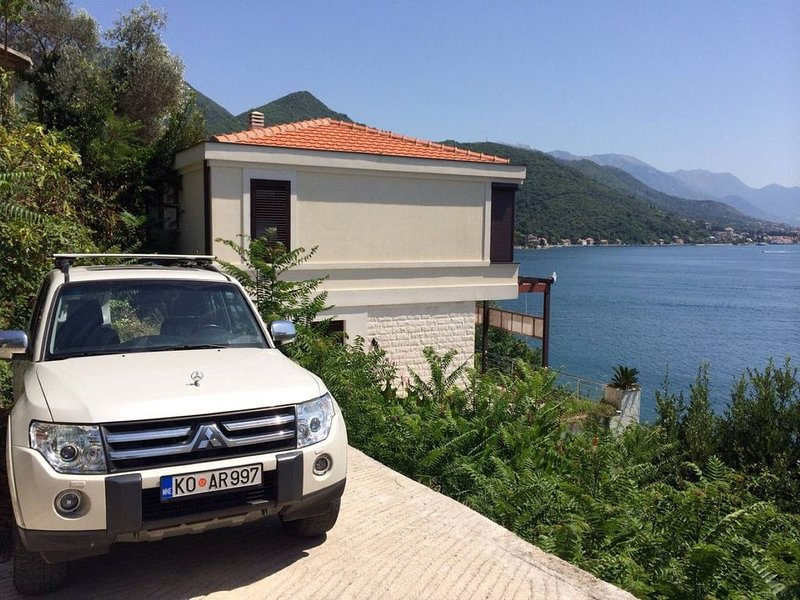 3 bedroom house with a breathtaking sea view, holiday rental in Bijela