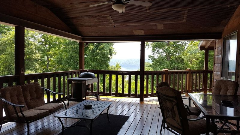 Lakeview Cabin on Dale Hollow Lake, Celina, TN, alquiler vacacional en Gainesboro