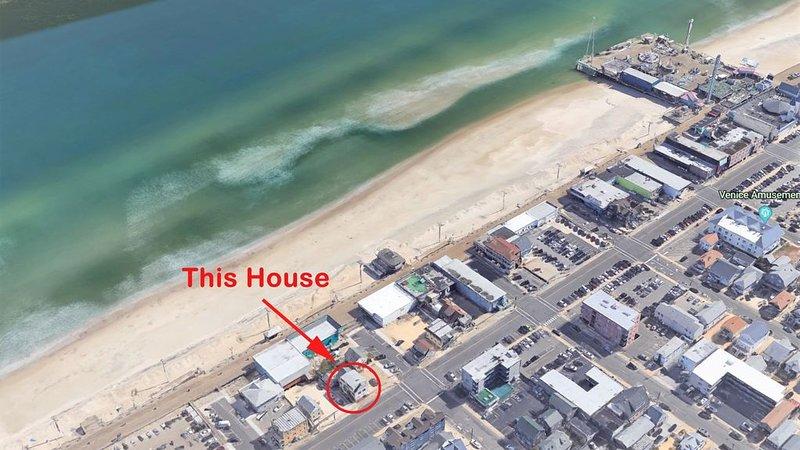 Beautiful Newly Renovated Beach Block Retreat (#3), alquiler de vacaciones en Seaside Heights