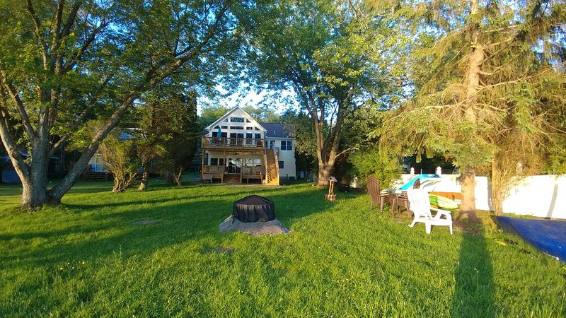 Newly Renovated Beautiful Lakefront House!, holiday rental in Pocono Mountains Region