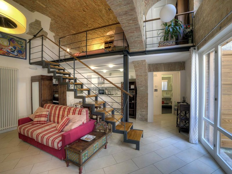 Charming apartment in the Historic Center of Siena, holiday rental in Moltacino