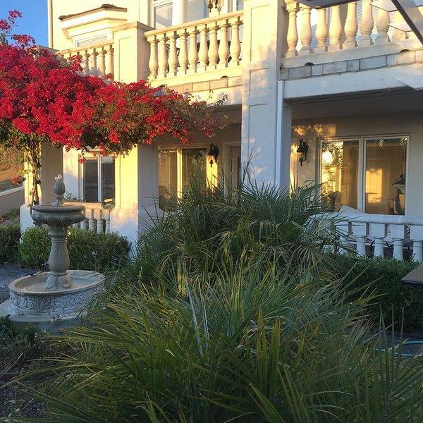 Million Dollard View Private 2 Bedroom Garden Suite, alquiler de vacaciones en Oakland