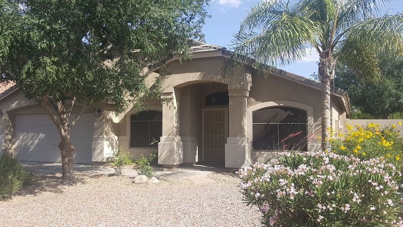 ***Discounted rate for reviews of BRAND NEW remodeled property**Limited time, vakantiewoning in San Tan Valley