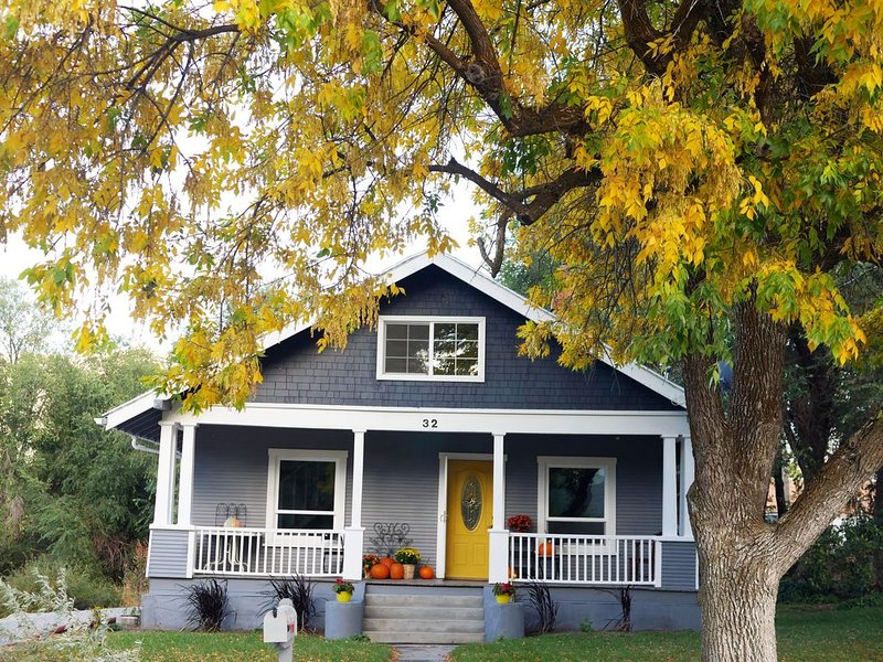 The Yellow Door-Cache Valley Charmer, holiday rental in Garland